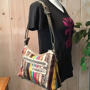 MC Unique striped shoulder bag